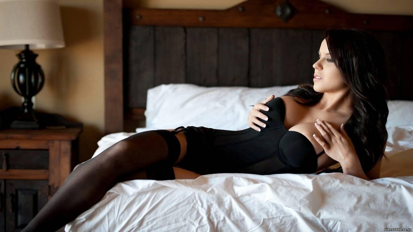 Фотографии роскошных женщин в чулках 21 фотография